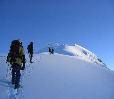 ESCALADA AL NEVADO HUASCARAN